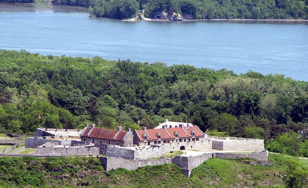 1024px-Fort_Ticonderoga,_Ticonderoga,_NY