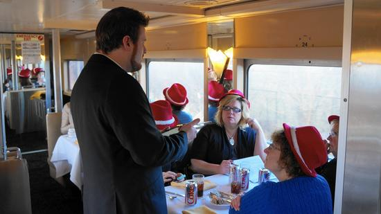ct-cth-travel-hoosier-train-4-dining-car-jpg-20160425